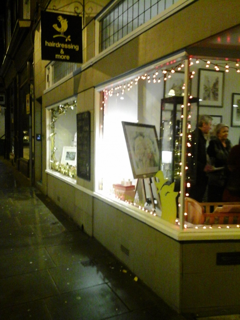 Christmas Cheer - Free Mulled Wine or Hot Chocolate at Crafty Sparrow 7pm till 9pm 20th November